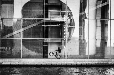 Wheelie in front of the Paul-Löbe-Haus Berlin
